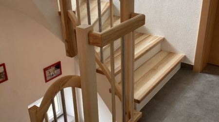 Treppen und Treppengeländer vom Tischler